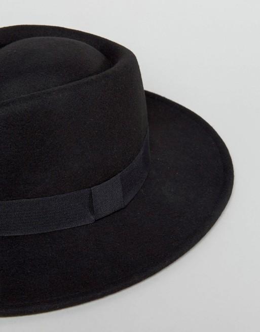 Pork pie hat in black
